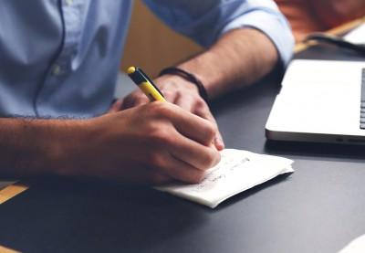 خمس خطوات عليك إتقانها لتصبح كاتب محتوى محترف