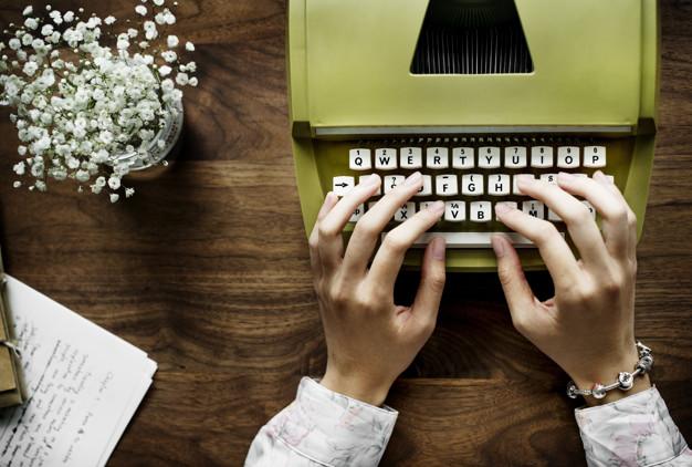 الكاتب الصحفي يحقق وجوده من خلال كتاباته