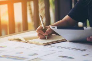 كيف يمكنك كتابة سيناريو احترافي في 7 خطوات؟
