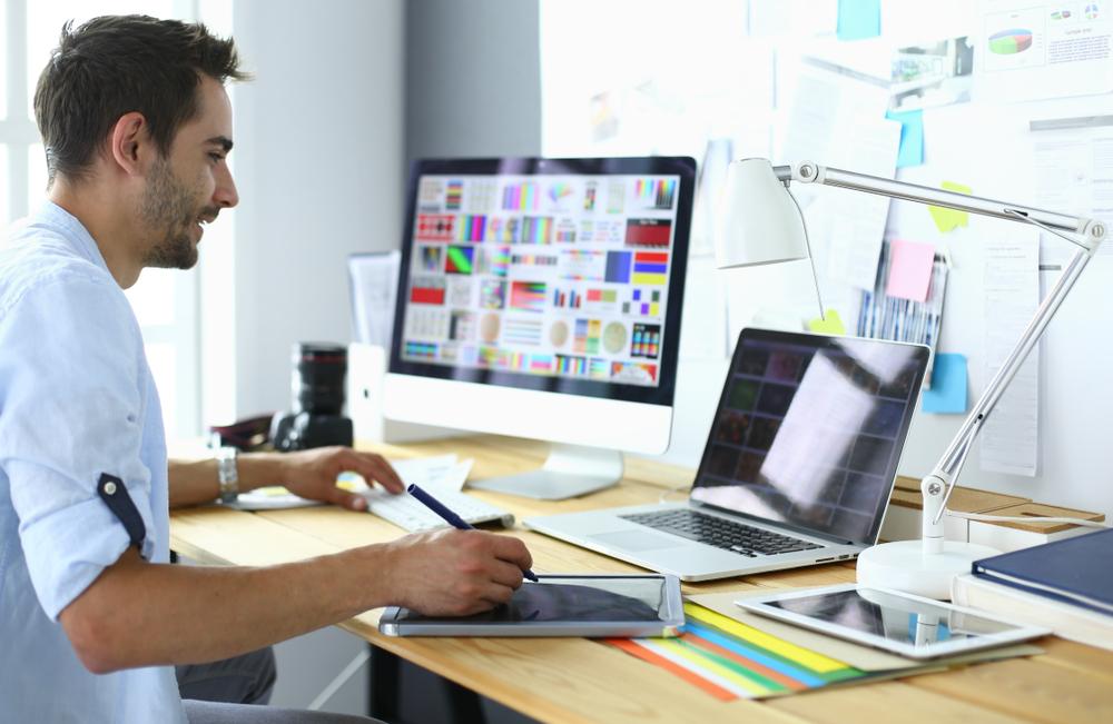 كيف تساعدك أفضل شركة جرافيك ديزاين في السعودية في استراتيجيتك التسويقية؟