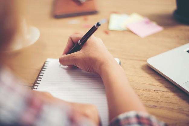 كتابة مقالات متخصصة