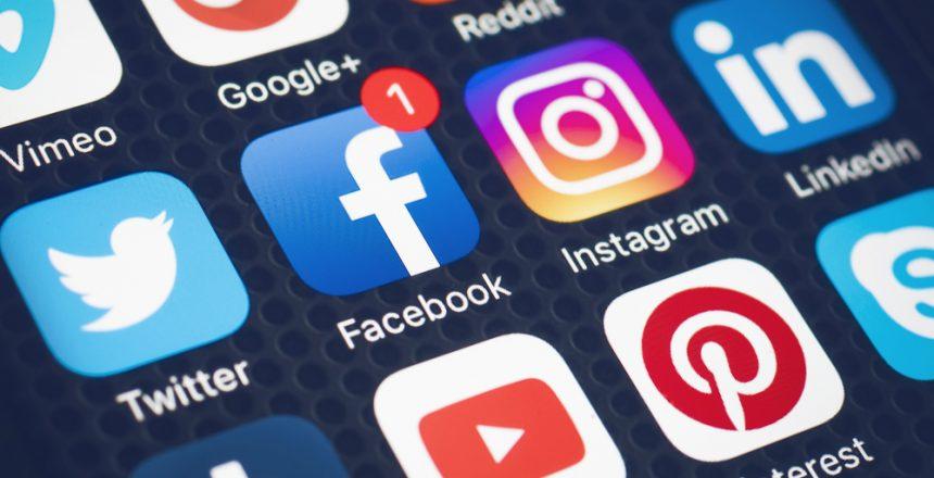 خدمات إدارة مواقع التواصل الاجتماعي