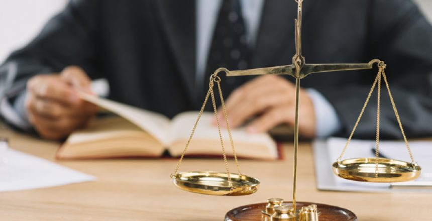 كتابة محتوى قانوني